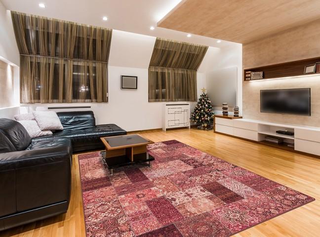 فرش مدما - فرش روناک - فرش چهار خانه - فرش قرمز - فرش سایز ۲.۲۵ متر در۳.۴ متر - فرش هشت متري - فرش 8 متري - فرش عرض دو متر و بيست و پنج سانت - فرش طول سه متر و چهل سانت